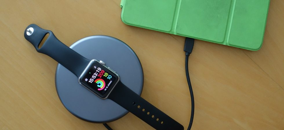 NOMAD Pod Pro: Apple Watch Powerbank und Ladedock