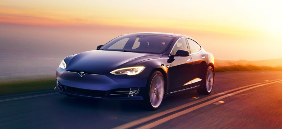 Nach Tesla Model 3 Launch: Elon Musk teast Akku Revolution