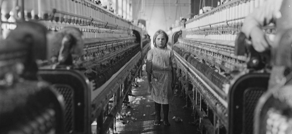 Verklagt: Apple, Microsoft und Tesla sollen von Kinderarbeit im Kongo profitieren