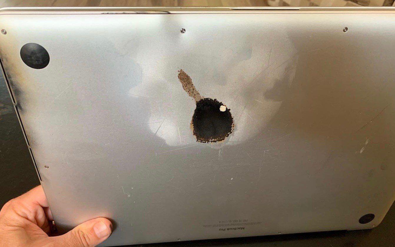 Feuer und Flamme: MacBook Pro brennt beinah Haus im Schlaf nieder • Apfellike.com