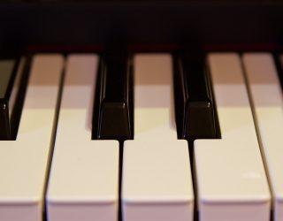 """App-Test: Klavierspielen lernen per App mit """"flowkey"""""""